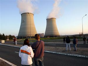 Usina nuclear na França (Foto: François Mori/AP)