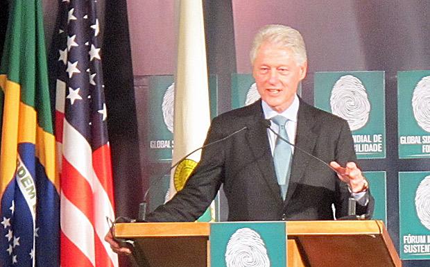 Bil Clinton fala a empresários em fórum de sustentabilidade em Manaus. (Foto: Dennis Barbosa/G1)