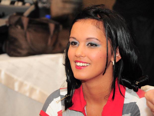 Candidatas foram maquiadas e fizeram penteados especiais para o desfile (Foto: Divulgação/Paulo Almeida/Seres)