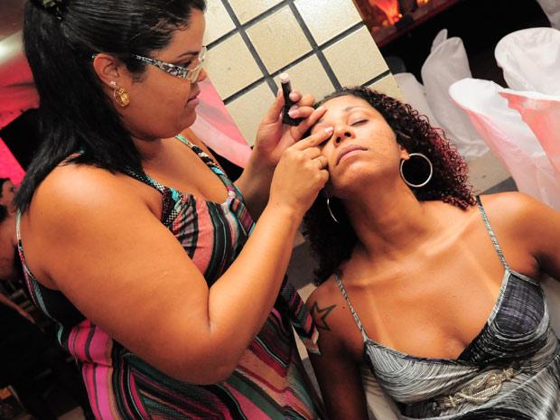 Candidatas foram maquiadas e fizeram penteados especiais para o concurso (Foto: Divulgação/Paulo Almeida/Seres)
