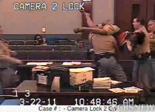 Latasha Williams teve um ataque de fúria durante uma audiência. (Foto: Reprodução)