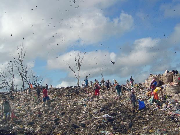 Aterro do Aurá, que funciona sem licença ambiental, segundo o Ibama (Foto: Divulgação/Ibama)
