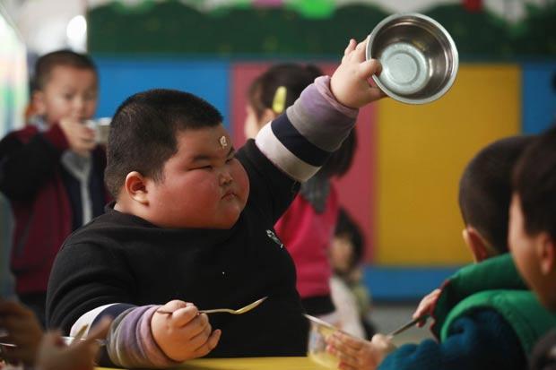Lu Zhihao em sua escolinha em Foshan, na província de Guangdong. (Foto: Joe Tan/Reuters)