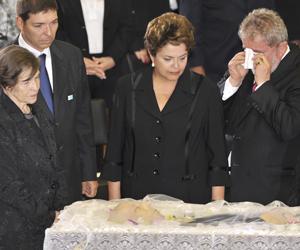 Lula e Dilma comparecem ao velório de Alencar no Planalto (Marcello Casal Jr./ABr)