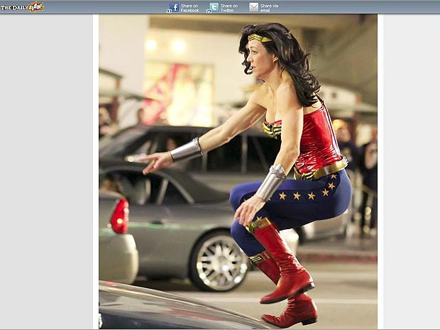 Adrianne Palicki como a Mulher-Maravilha (Foto: Reprodução/DailyBlam)