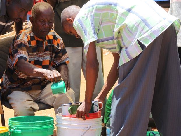 Poção Tanzânia 2 (Foto: David Wambundo / BBC)