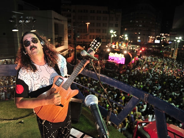 Moraes Moreira no trio elétrico (Foto: divulgação)