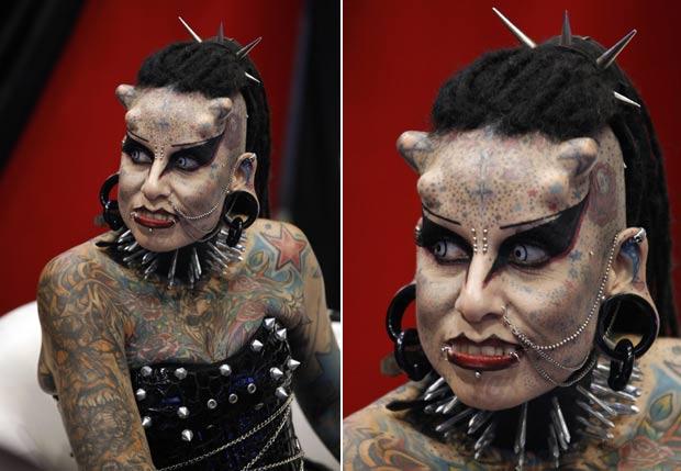 Maria Jose Cristerna é conhecida como 'Mulher Vampiro'. (Foto: Tomas Bravo/Reuters)