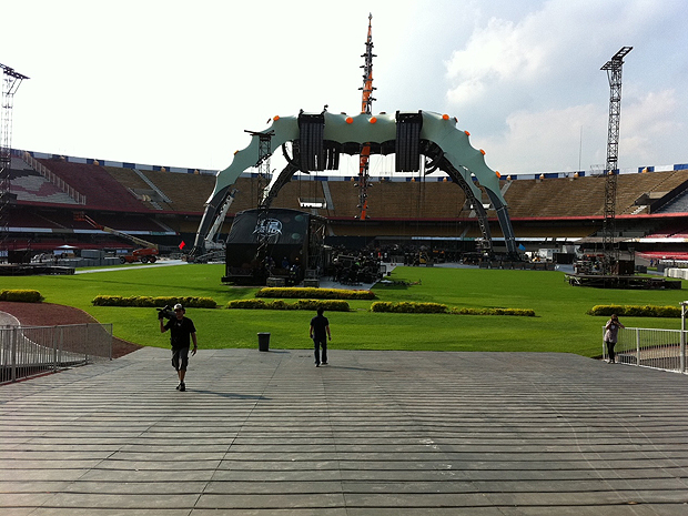 Palco da turnê 360º do U2, no Morumbi (Foto: Marcus Brasil/G1)