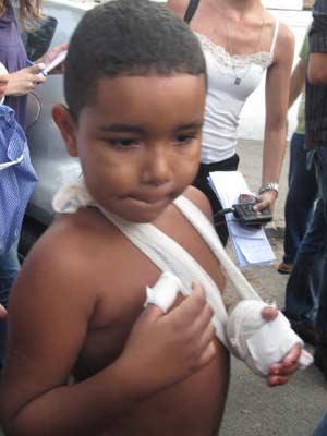 Menino Gustavfo que ficou ferido no ataque à escola no Rio (Foto: Carolina Lauriano/G1)