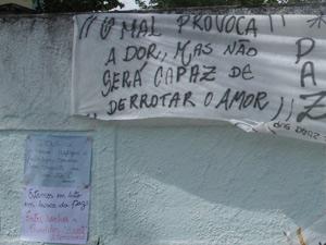 Novas homenagens a escola no domingo (Foto: Tahiane Stochero/G1)