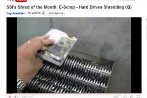 Empresas preocupadas com seus dados recorrem à trituradores para destruir os dados em um disco (Foto: Reprodução)