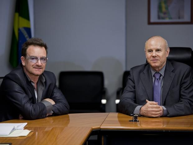Manatega se encontra com Bono Vox em São paulo (Foto: Daigo Oliva/G1)