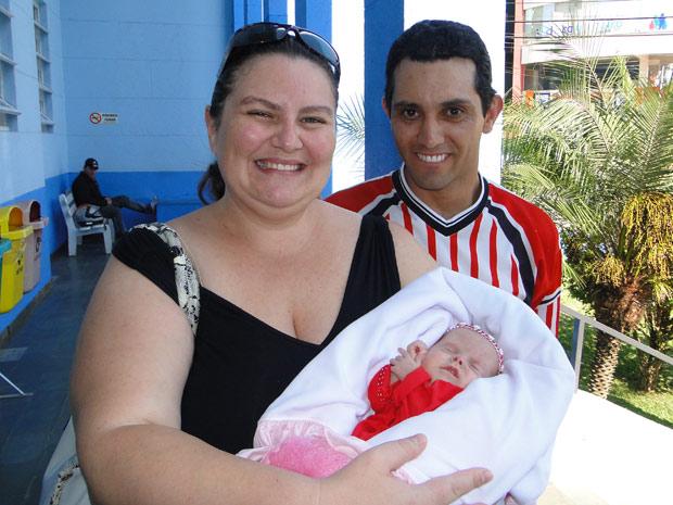 Pequena Lavínia recebeu alta na manhã desta segunda-feira (11) (Foto: Nara Rux/Divulgação/Hospital São Francisc)
