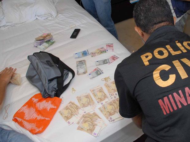 dinheiro apreendido (Foto: Ministério Público Estadual)