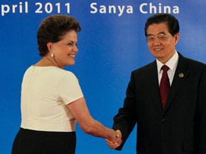 Dilma e Hu Jintao em reunião dos Brics (Foto: Roberto Stuckert Filho / Presidência)