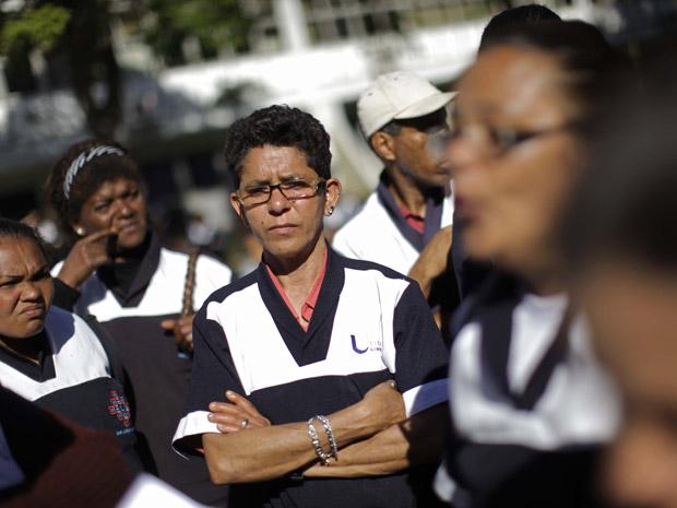 Protesto de funcionários da limpeza fecha reitoria da USP nesta quinta-feira (14) (Foto: Nelson Antoine/Foto Arena/AE)