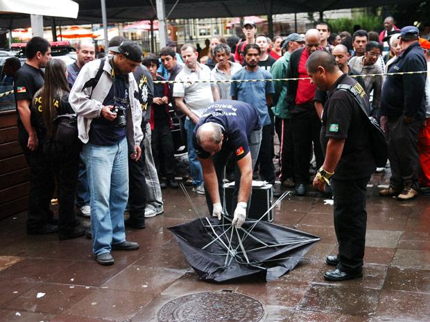 Vendedor de 49 anos é morto a golpes de guarda-chuva no Centro de Porto Alegre (Foto: Luiz Armando Vaz/Diário Gaúcho/Agência RBS)