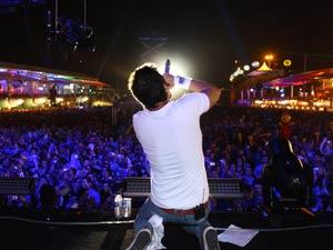 Tuca Fernandes faz último show da banda como Jammil e Uma Noites. (Foto: Maurício Vieira)