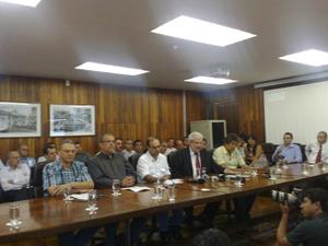 Vereadores anunciam saída do PSDB (Foto: Roney Domingos/G1)