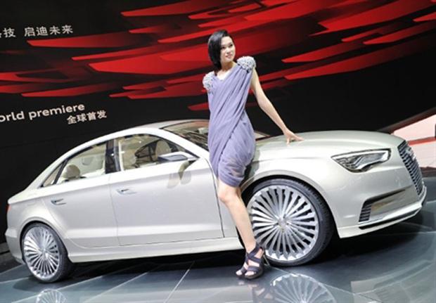 Audi A3 E-tron foi apresentado no Salão de Xangai (Foto: AFP)