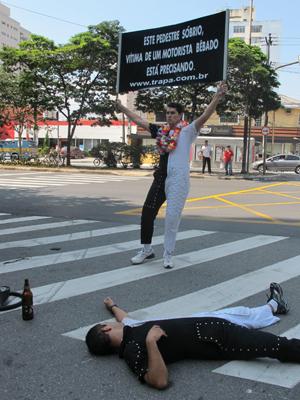 Apresentações abordaram temas como alcoolismo no trânsito (Foto: cla)