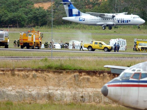 Acidente de avião no aeroporto de Manaus (Foto: Ney Mendes/A Crítica/AE)