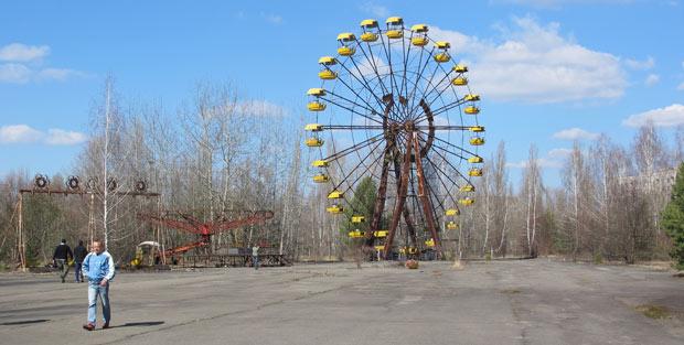 Roda gigante no parque de diversões de Pripyat: a cidade que em outros tempos tinha uma população jovem, ficou parada no tempo. (Foto: Dennis Barbosa/G1)