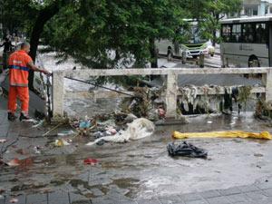 A forte chuva causou vários pontos de alagamentos e grandes transtornos.  (Foto: Eldio Suzano/Futura Press)