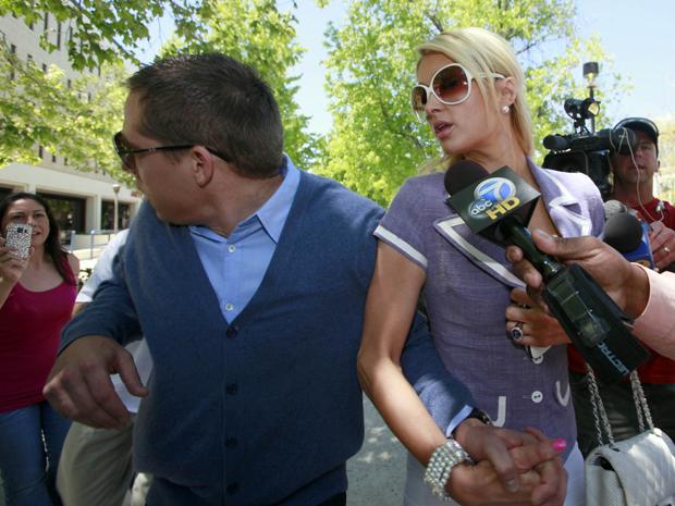 Paris Hilton e Cy Waits (Foto: AP)