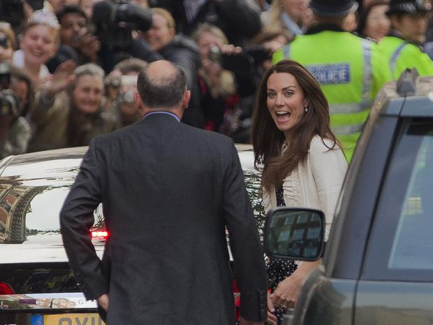Kate e o príncipe casam-se nesta sexta-feira (29) na Abadia de Westminster (Foto: AP)