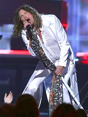 O cantor Steven Tyler durante performance em Las Vegas no último dia 3 (Foto: Reuters)