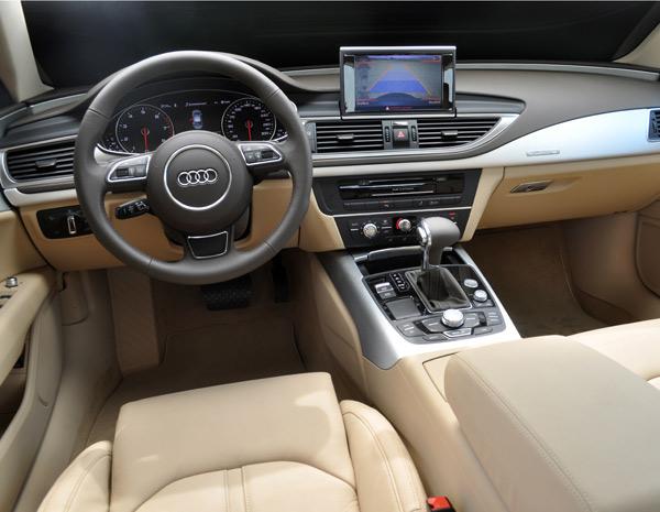 Interior do Audi A7 é semelhante ao do A8 (Foto: Divulgação)