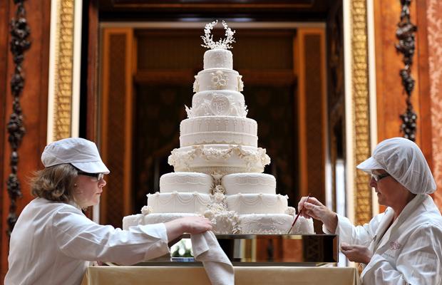 g1 bolo do casamento tem 8 andares not cias em casamento do pr ncipe william. Black Bedroom Furniture Sets. Home Design Ideas