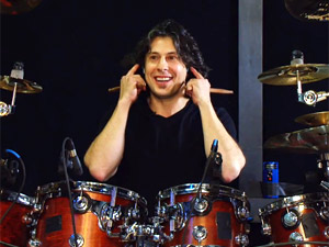 O baterista Mike Mangini durante vídeo de sua audição (Foto: Reprodução)
