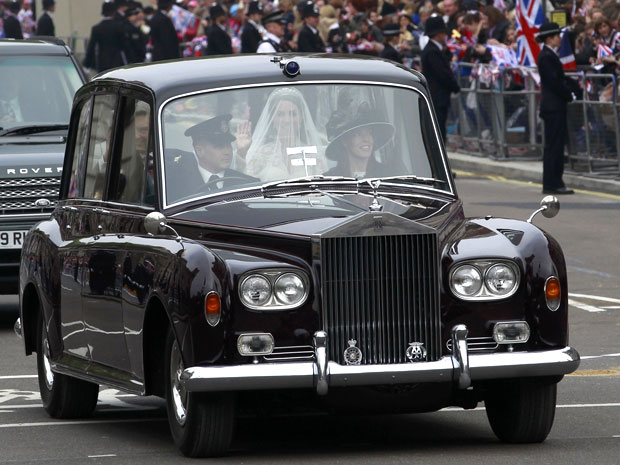 rolls royce kate casamento príncipe (Foto: Eddie Keogh/Reuters)