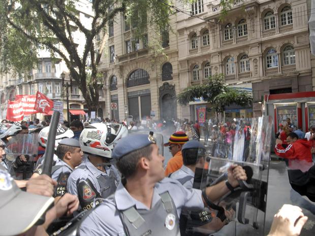 protesto Sé (Foto: Anderson Barbosa/Foto Arena/Agência Estado)