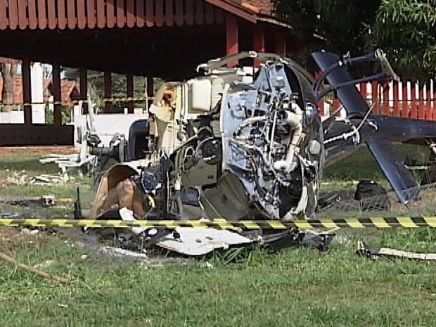 Helicóptero ficou destruído (Foto: Reprodução/TV Tem)