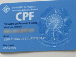 CPF de Sebastiana mostra data de nascimento de 1895 (Foto: Giovana Sanchez/G1)