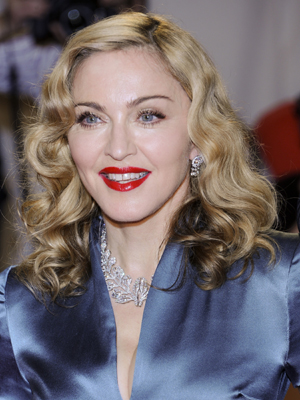 Madonna no baile de gala do Metropolitan Museum, em Nova York. (Foto: AP)