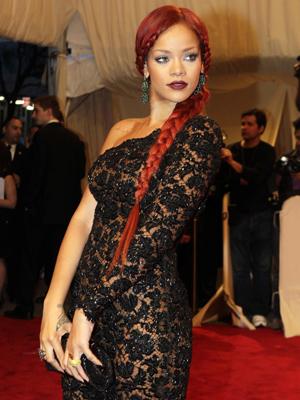 Rihanna no baile de gala do Metropolitan Museum, em Nova York. (Foto: AP)