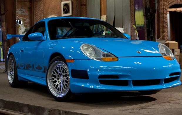 Porsche GT3 RS 2002 é o preferido do ator Paul Walker (Foto: Divulgação/Universal Pictures)