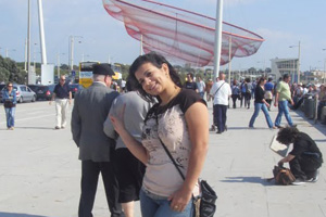 Miriam Machado, que mora em Braga, Portugal, manda recado para a mãe Izabel, em Campina Grande (PB) (Foto: Miriam Machado/VC no G1)