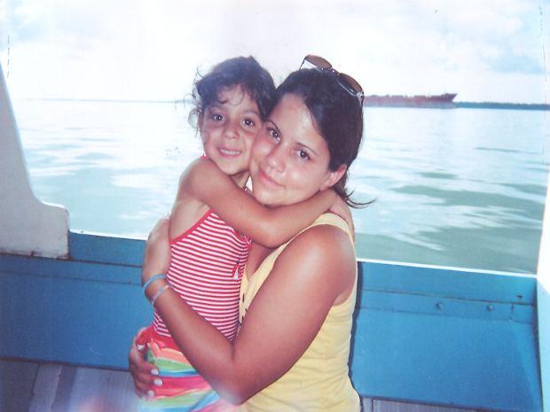 Durante férias em 2005, Rachel e Maria Cristina seguiam para a Ilha das Peças, no litoral do Paraná  (Foto: Arquivo Pessoal )