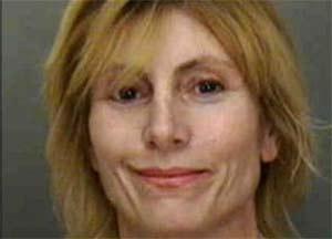 Ellenbeth Wachs foi presa por simular ato sexual barulhento. (Foto: Divulgação)