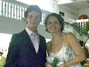 Guilherme Oliveira Bastos e a mãe, Sheila (Foto: Guilherme Oliveira Bastos/VC no G1)