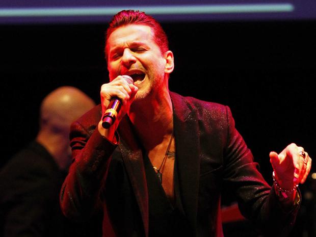 Dave Gahan, do Depeche Mode se apresenta na cerimônia da MusiCares. Ele foi homenageado pela fundação nesta sexta-feira (6) (Foto: Reuters)