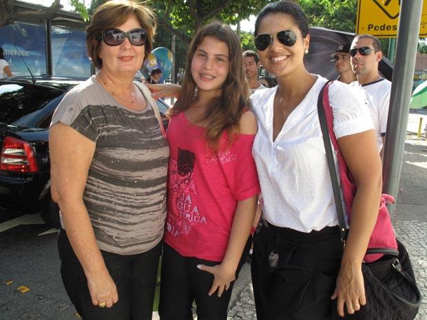 Fãs aguardam em fila para comprar ingresso para o Rock in Rio (Foto: Alba Valéria Mendonça/G1)