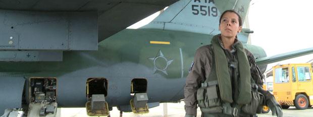 Tenente-aviadora disse que preparação para ser piloto não é fácil e exige dedicação quase exclusiva (Foto: Divulgação/Força Aérea Brasileira)