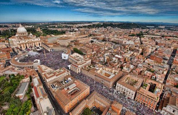 Vista aérea de Roma e do Vaticano em 1º de maio, dia da beatificação do Papa João Paulo II (Foto: AFP)